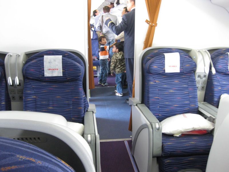 http://arizainc.tripod.com/A330NEW/IMG_0460.JPG